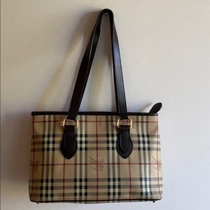 Burberry tote bag in excellent condition